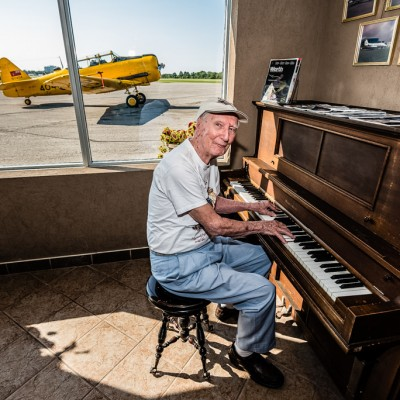 dad on the piano_14883468071_l