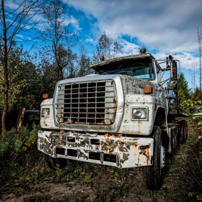 teh white truck_15274440078_l